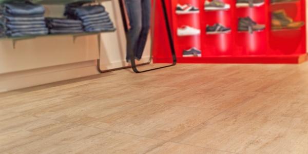 dalles de sol pour magazins